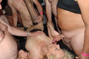 Steffi Blond